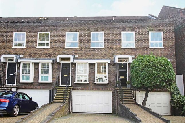 4 bed property for sale in Shaftesbury Way, Twickenham