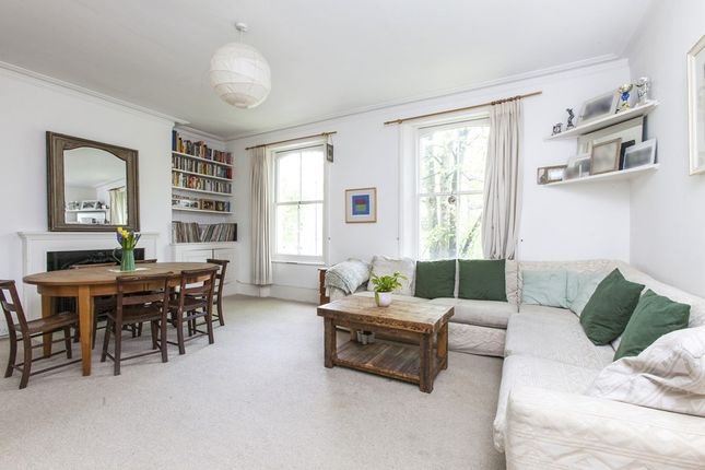 Thumbnail Flat for sale in Alwyne Place, London