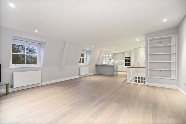 Thumbnail Flat to rent in Ladbroke Square, London