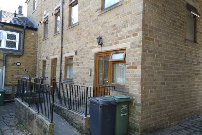 Thumbnail Flat to rent in Town Street, Armley, Leeds