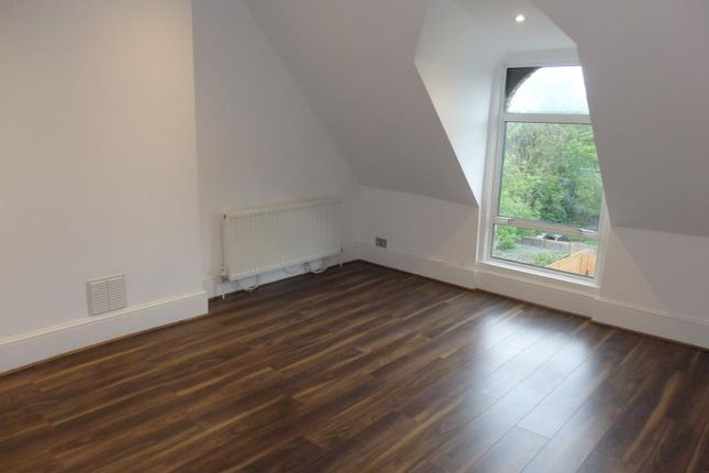 Thumbnail Flat to rent in Cecile Park, London