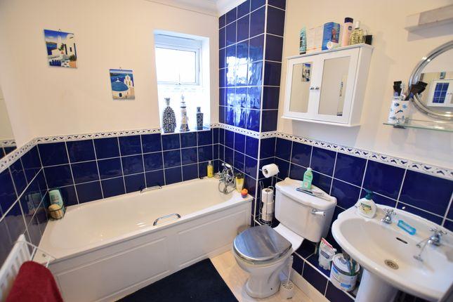 Bathroom of St Lawrence Mews, Eastbourne BN23