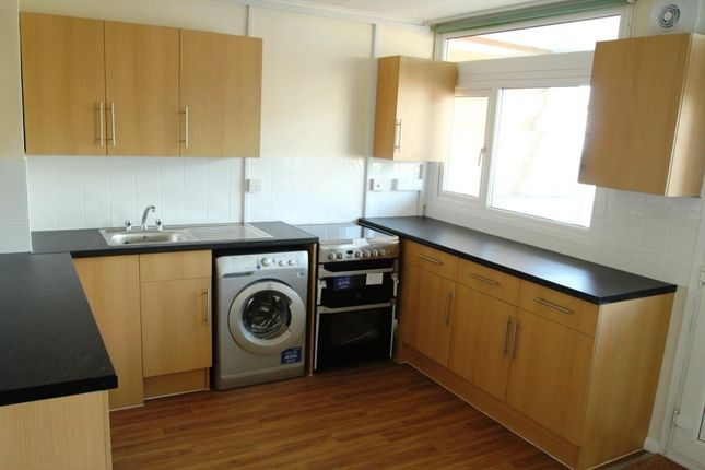 Thumbnail Property to rent in Hartslock Drive, London