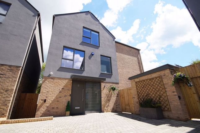 Thumbnail Property to rent in Leckhampton Rise, Cheltenham