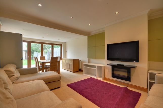 Thumbnail Bungalow to rent in Woodford Crescent, Pinner, Middlesex