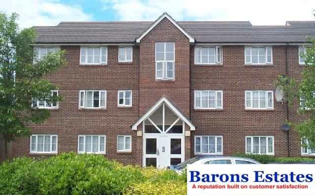 3 bed flat for sale in Corfe Close, Borehamwood WD6
