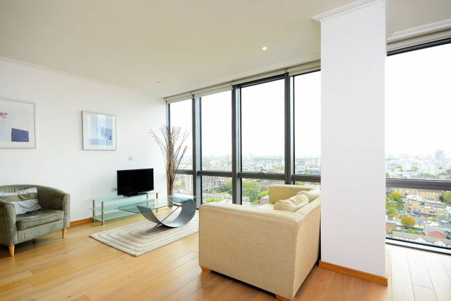 2 bed flat to rent in West India Quay, Canary Wharf