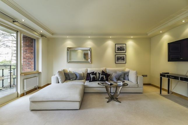 2 bed flat for sale in Kingston House South, Ennismore Gardens
