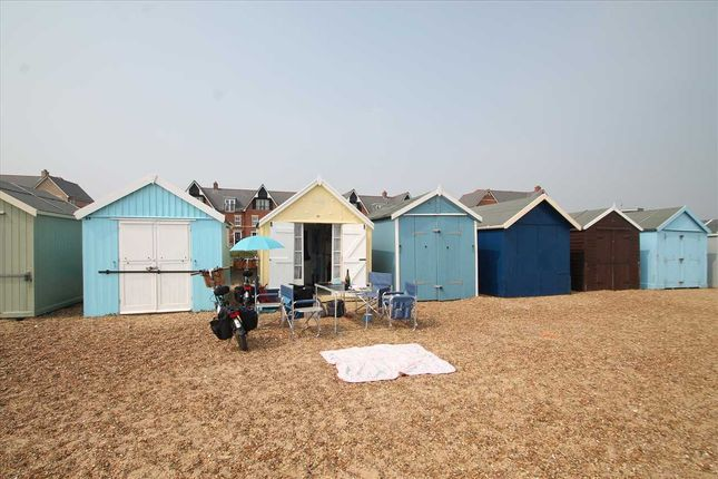 Main Picture of Beach Hut 21, Manor Terrace, Felixstowe IP11