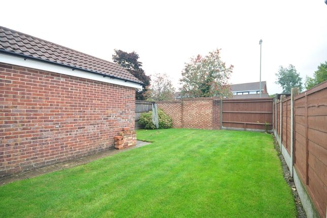 Thumbnail Semi-detached house to rent in Meadowsweet, Waterlooville