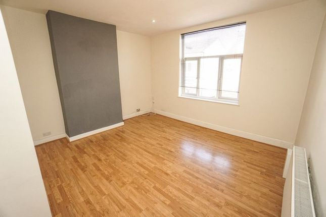 Thumbnail Flat to rent in Lee Lane, Horwich, Bolton