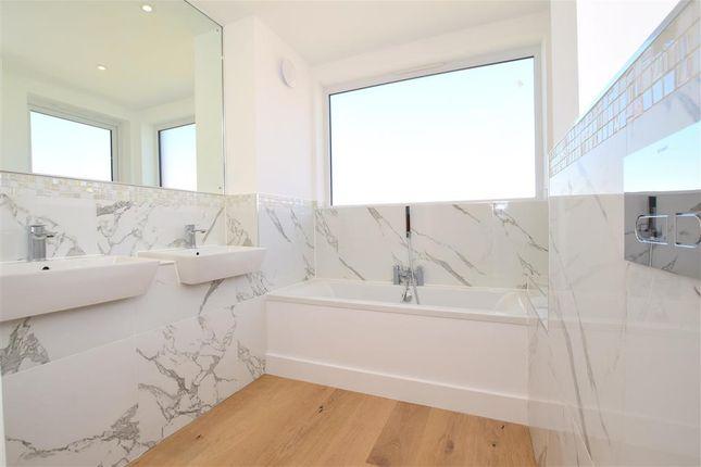 Bathroom of Timberyard Lane, Lewes, East Sussex BN7