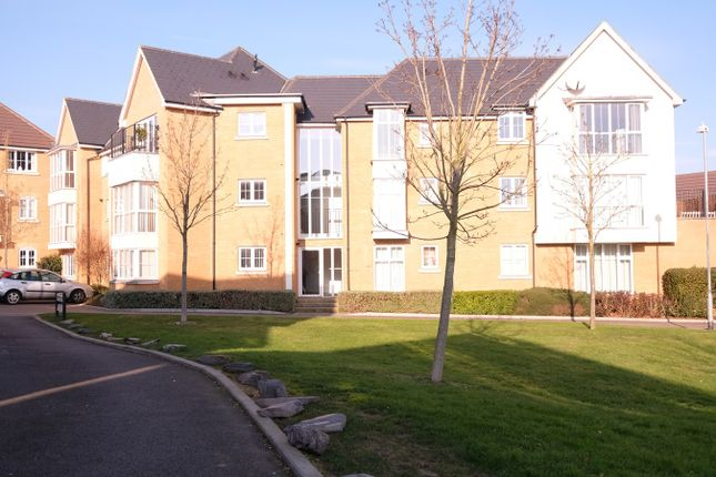 Thumbnail Flat for sale in Lambourne Chase, Great Baddow, Chelmsford