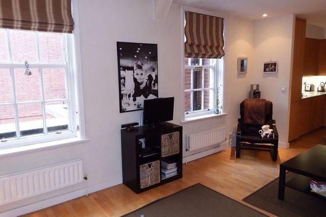 Lounge of Peel Street, Nottingham NG1