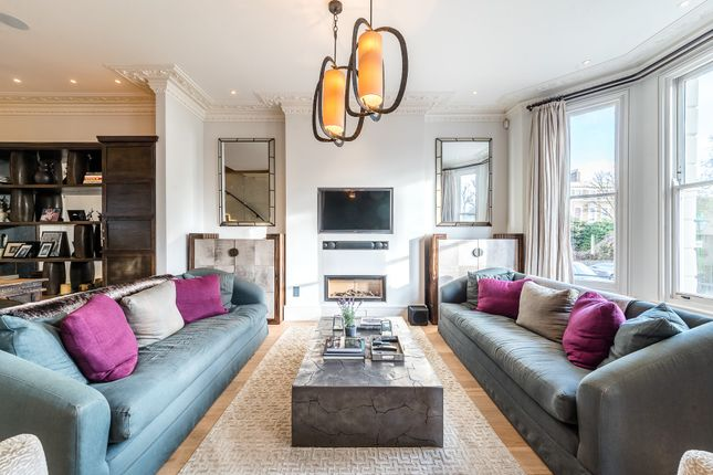Thumbnail Flat to rent in St. James's Gardens, London