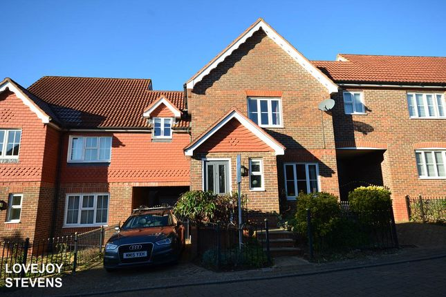 Thumbnail Terraced house to rent in Owletts Grove, Newbury