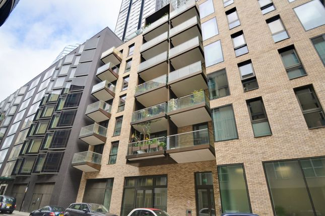 Thumbnail Flat for sale in Macclesfield Road, London
