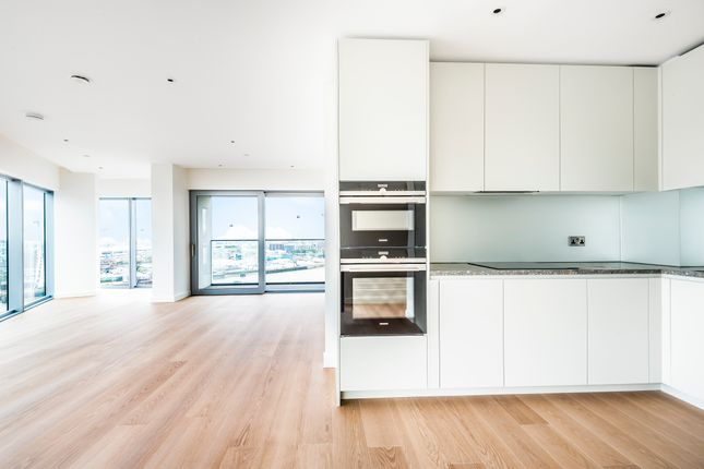 Thumbnail Flat for sale in 10 Cutter Lane, Apartment 1705, Greenwich Peninsula