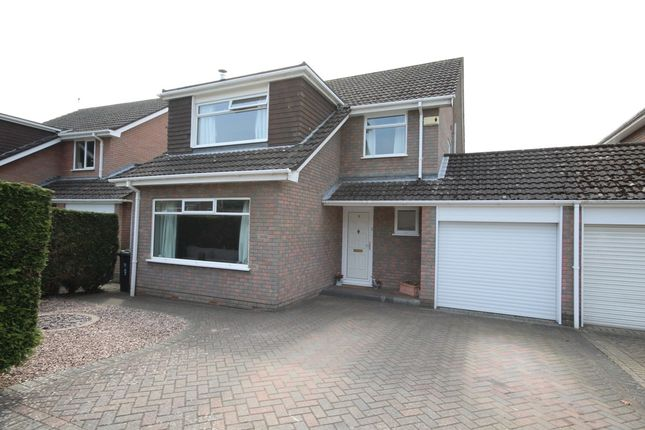 Thumbnail Link-detached house for sale in Holly Grove, Verwood