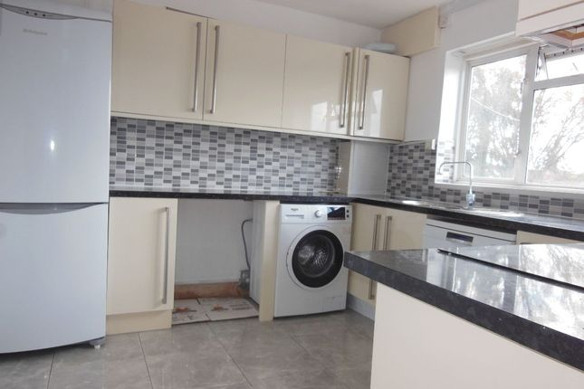 Thumbnail Flat to rent in Enfield Road, Enfield