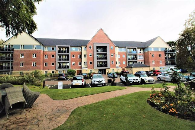 Thumbnail Flat for sale in Park View Road, Prestwich, Manchester