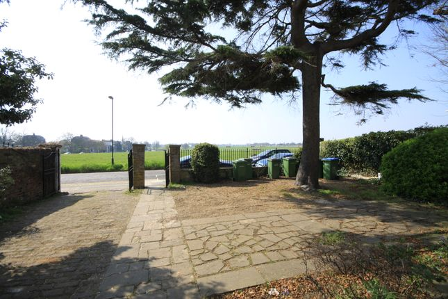 Flat to rent in St Germans Place, Blackheath