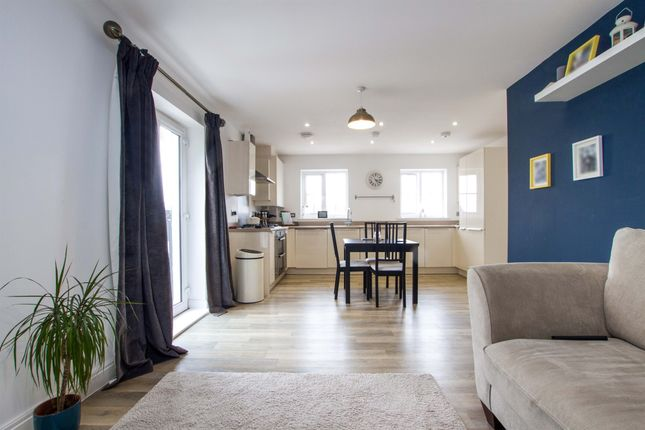 Thumbnail Flat for sale in Thornfield Road, Bristol