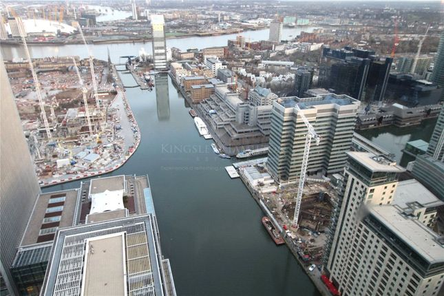 Thumbnail Flat for sale in South Quay Plaza, Canary Wharf, London
