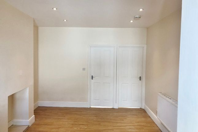 Thumbnail Flat to rent in Sidney Road, Wood Green