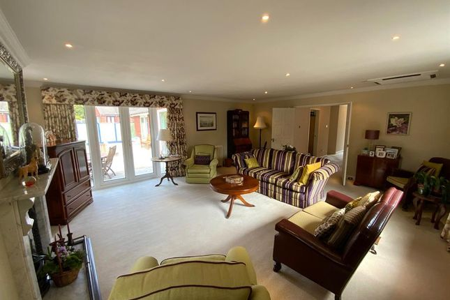 Thumbnail Detached house for sale in Burnside Close, Stalybridge, Cheshire