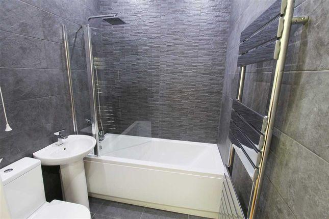 Bathroom of Ty Llfyr, Gelli Road, Pentre CF41