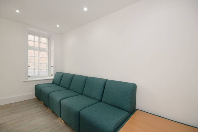 Thumbnail Flat to rent in Bishops Hall, Kingston