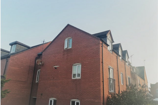 2 bed flat to rent in Rayson Close, Streethay, Lichfield WS13