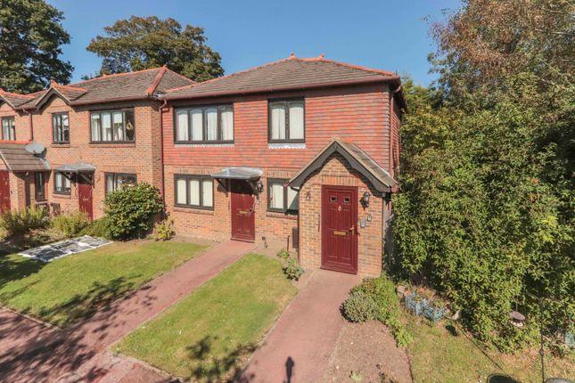 1 bed flat for sale in Lorenden Park, Highgate Hill, Hawkhurst, Cranbrook TN18