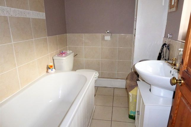 Family Bathroom of Bryn Cottages, Pontyrhyl, Bridgend, Bridgend County. CF32