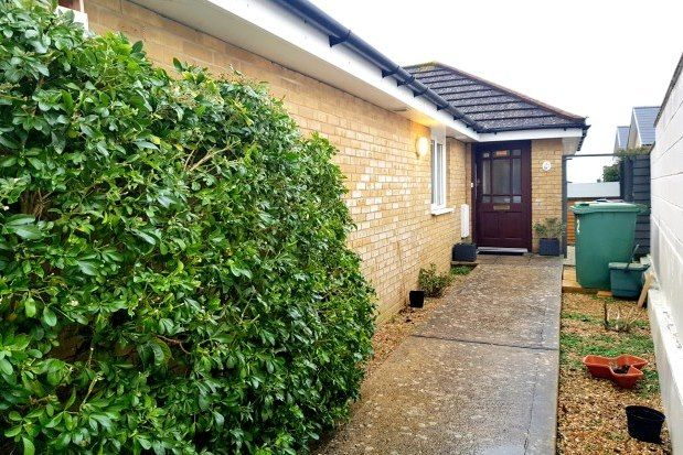 Thumbnail Bungalow to rent in Fitzroy Street, Sandown