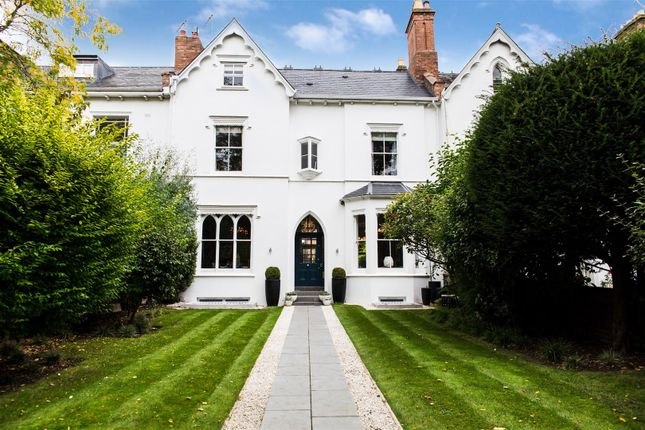 Thumbnail Town house for sale in Beauchamp Avenue, Leamington Spa, Warwickshire