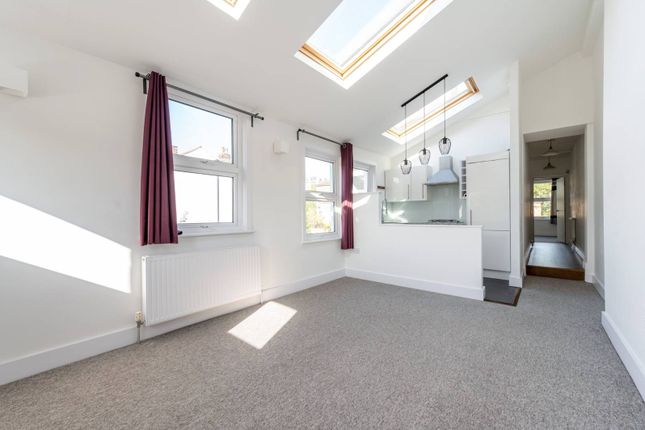 3 bed flat for sale in Tritton Road, West Norwood, London SE21