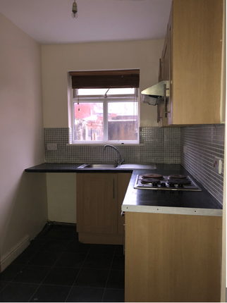 Thumbnail Studio to rent in Holmfield Road, Blackpool