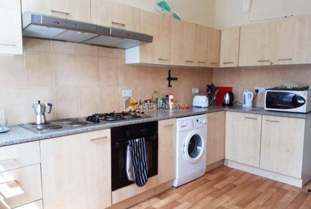 Thumbnail Property to rent in Brudenell Road, Hyde Park, Leeds