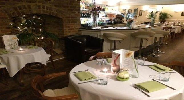 Thumbnail Restaurant/cafe for sale in Rawlings Court, Bedford Street, Woburn, Milton Keynes