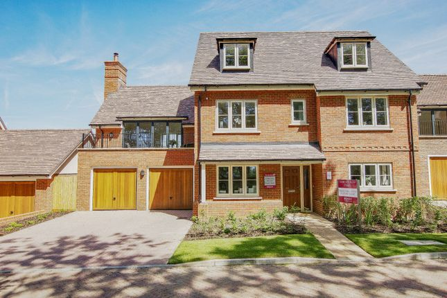 Thumbnail Detached house for sale in Baldwin Close, Hartley Wintney, Hook