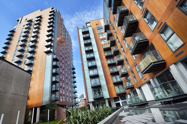 Thumbnail Flat to rent in Skyline Central, Goulden Street, Manchester