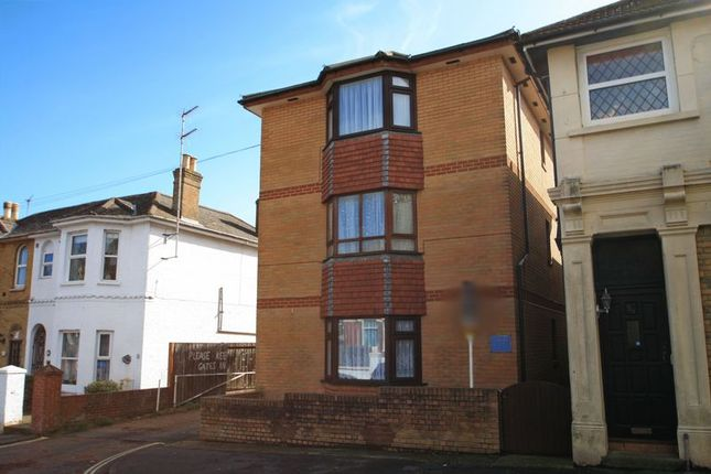 2 bed flat for sale in Clarendon Road, Shanklin