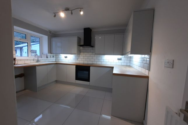2 bed semi-detached house to rent in Walters Road, Ogmore Vale CF32