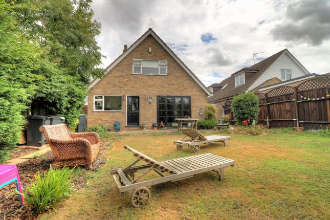 Thumbnail Bungalow for sale in Hillcrest Road, Toot Hill, Ongar