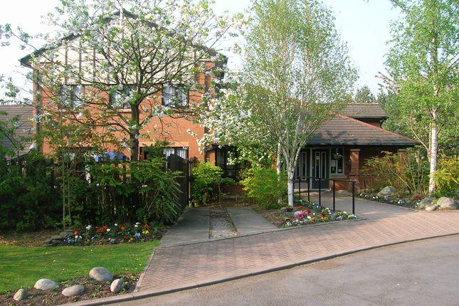 Thumbnail Flat to rent in Robinwood Lodge, Gamesley, Glossop