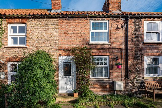 2 bed property for sale in Back Lane, Catwick, Beverley HU17