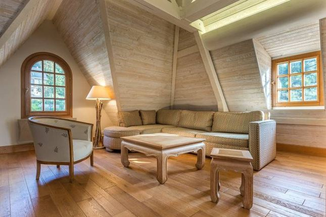 Thumbnail Apartment for sale in Apartment In 19th Century Villa, Trouville-Sur-Mer, Calvados, Normandy, France