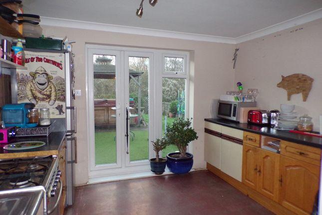 Kitchen of Evenden Road, Meopham, Gravesend DA13